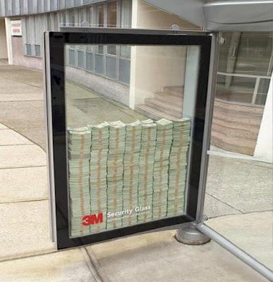 Publicidad en parada de autubus