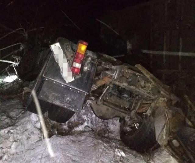 Столкнулись МАЗ и Опель: погиб 19-летний парень