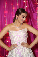Hansika Motwani Sizzles in a Deep neck Sleevless Pink Gown at Zee Telugu Apsara Awards 2017 11.JPG