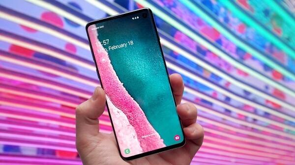 سامسونج تقدم خطًا جديدًا من الهواتف الذكية المميزة