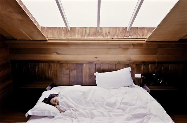 Jika itu memungkinkan, tidurlah setidaknya 8 jam setiap hari