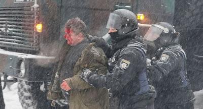 Поліція жорстоко розігнала наметовий табір під Верховною Радою