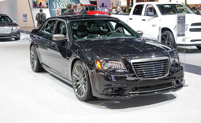 2016 Chrysler 300 in auto show Hd Photos 0