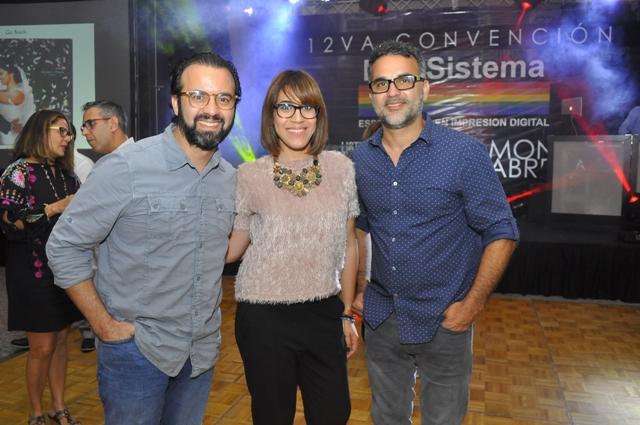 Raki Tejada, Wendy Tactuk y Jochy Fersobe.