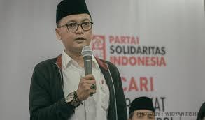 PSI Sebut Peserta Reuni 212 Kalah dengan Tari Poco-poco Jokowi, Ini Kata Warganet