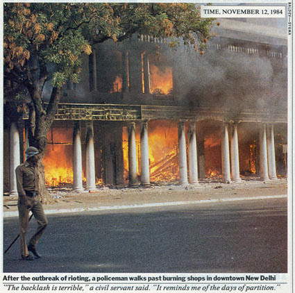 Burning shops in the anti sikh riots at Delhi