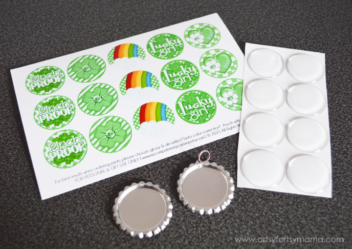 St. Patrick's Day Bottle Cap Necklace and Hair Bow Tutorial at artsyfartsymama.com