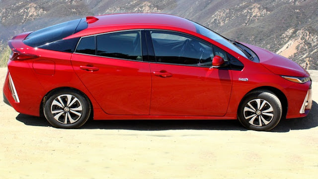 2017 Toyota Prius Prime Redesign