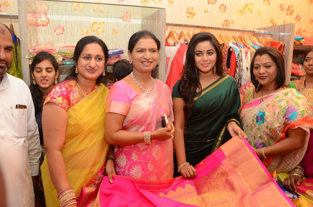Actress Poorna Launches SR fashion Studio at Banjara hills.