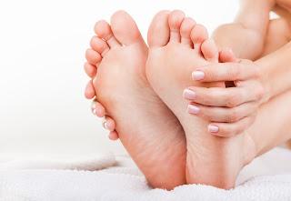 pés ressecados o que fazer