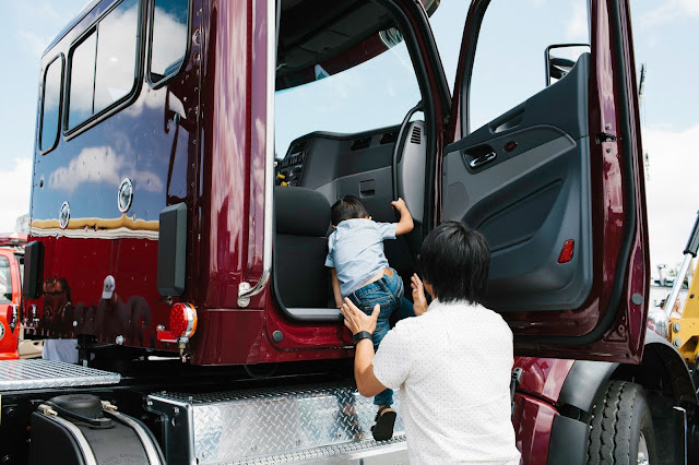 san diego, san diego kids, san diego events, construction trucks, touch a truck, max's ring of fire, kids cancer research