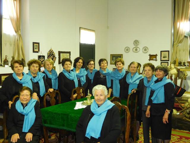 """""""ΦΑΝΤΑ ΑΡΙΣΤΟΜΗΔΑ"""": Η χορωδία από τα Δίδυμα Αργολίδας που διασώζει παλιά Ελληνικά και αρβανίτικα δημοτικά τραγούδια του χωριού"""