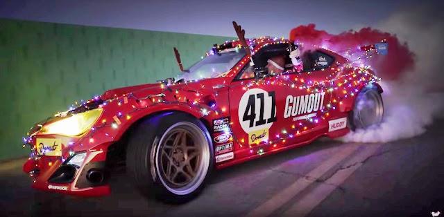 スーパーカーやスポーツカーをテーマにしたクリスマス向けの映像作品!2016年版。