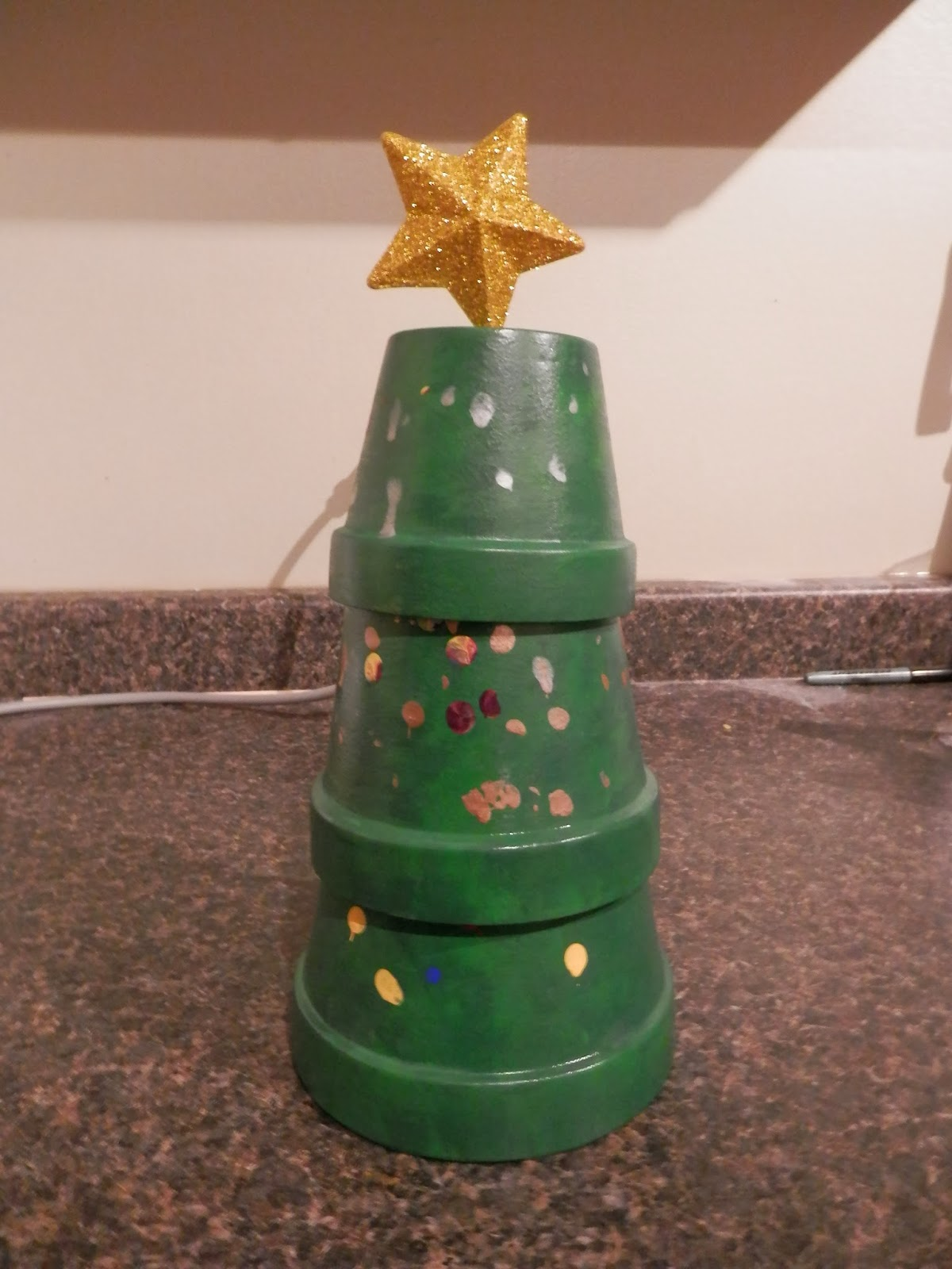 The Perils of a Working Mom: Christmas Fun - Clay Flower Pot Christmas Tree