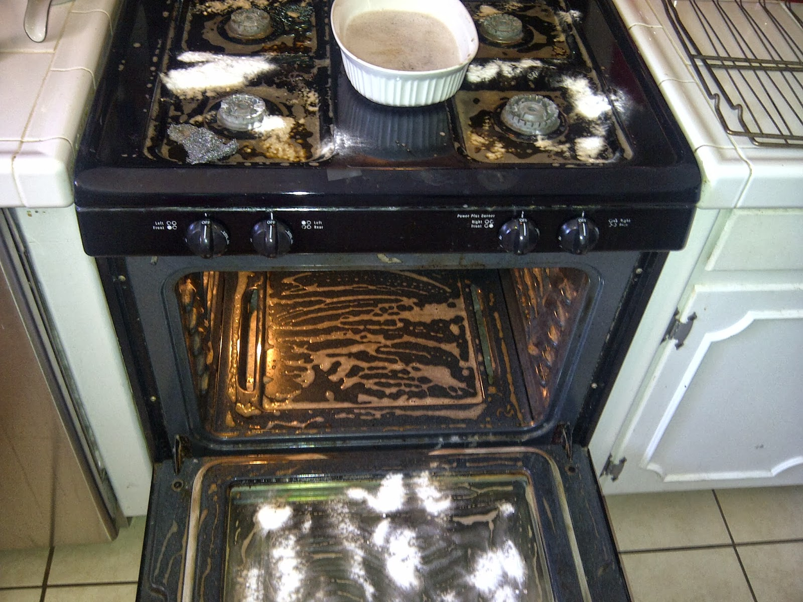 Clean your whole oven even between the glass panels jordans and for the grand finale i cleaned in between the oven glass door i was so excited when i saw this post from mom4real my oven required a simple eventelaan Gallery