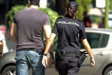 الأمن الإسباني يوقف مغربيا مبحوثا عنه بإيطاليا