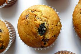 Muffin di quinoa con cioccolato bianco e lamponi