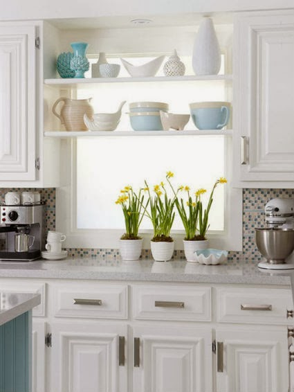 Decorating Small Open Floor Plan Living Room And Kitchen: Open Shelving In The Kitchen