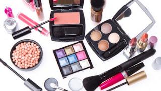 10 Bahan Berbahaya Pada Kosmetik yang Harus Anda Hindari