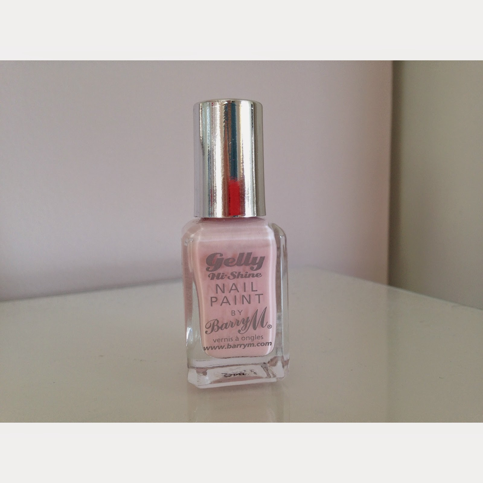 Barry M gelly nail polish (pale pink)