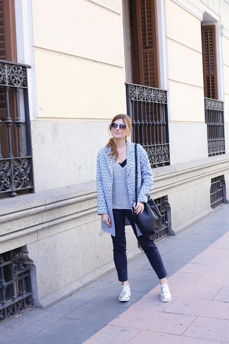 Blog De Moda Y Lifestyle Look Con Zapatos Con Cordones Plateados Y Plataforma