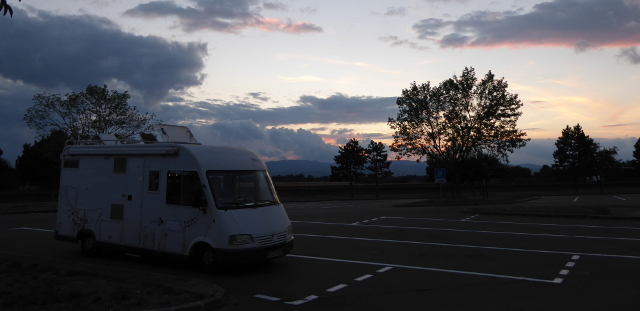 Pernocta en autopista, camí d'Alemanya.