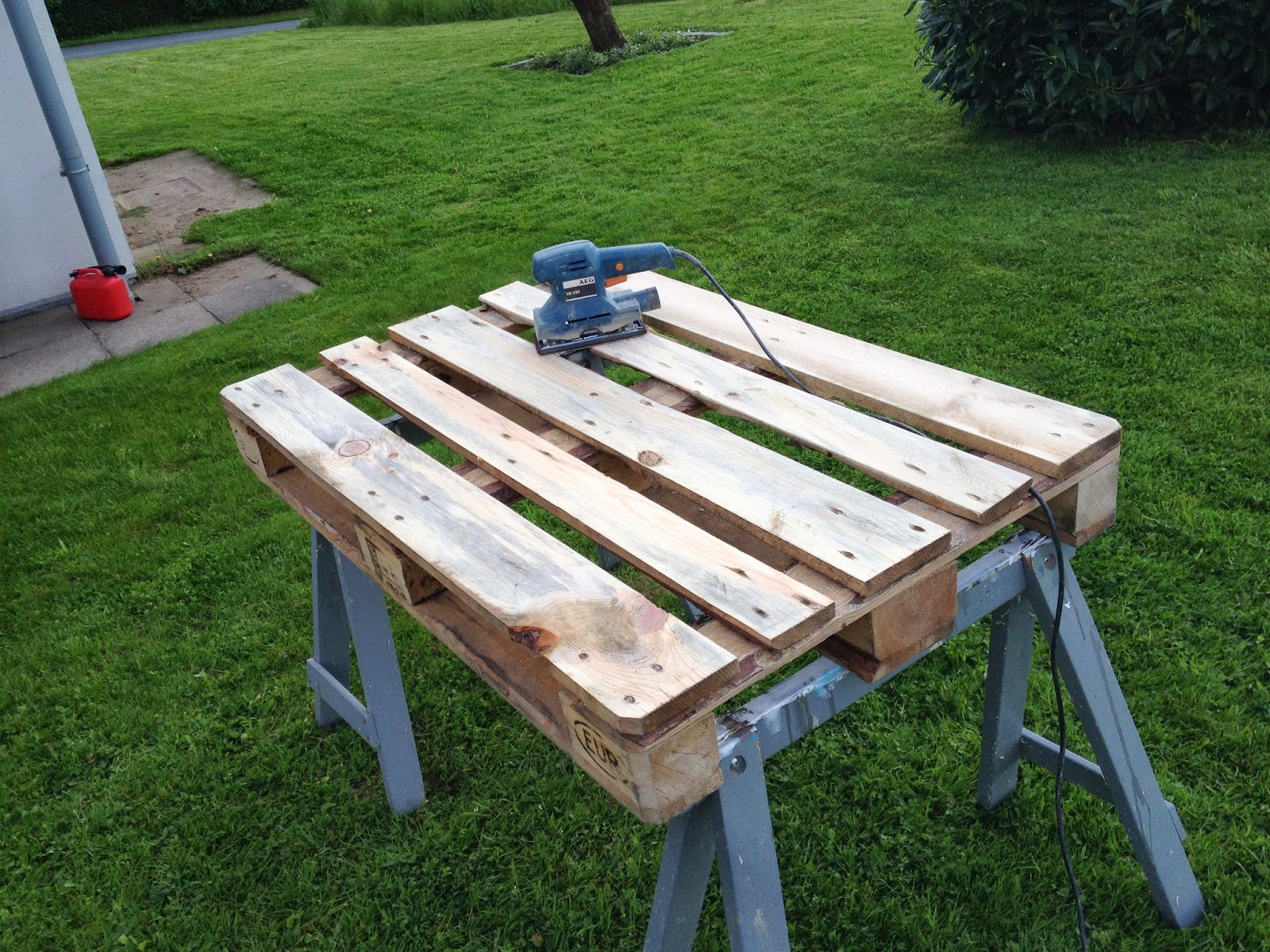 Diy Paletten Sessel Carstens Leisure Time Blog Bau Eines Diy Paletten Lounge