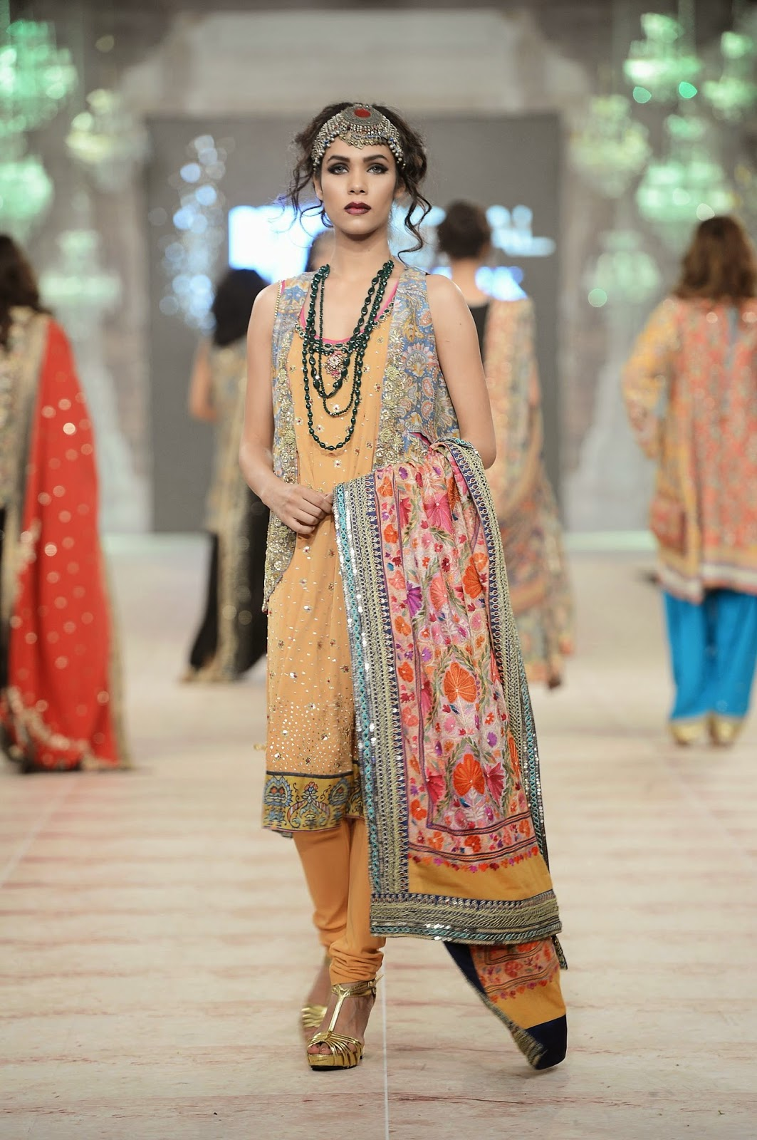 Sonia Nazir shawl