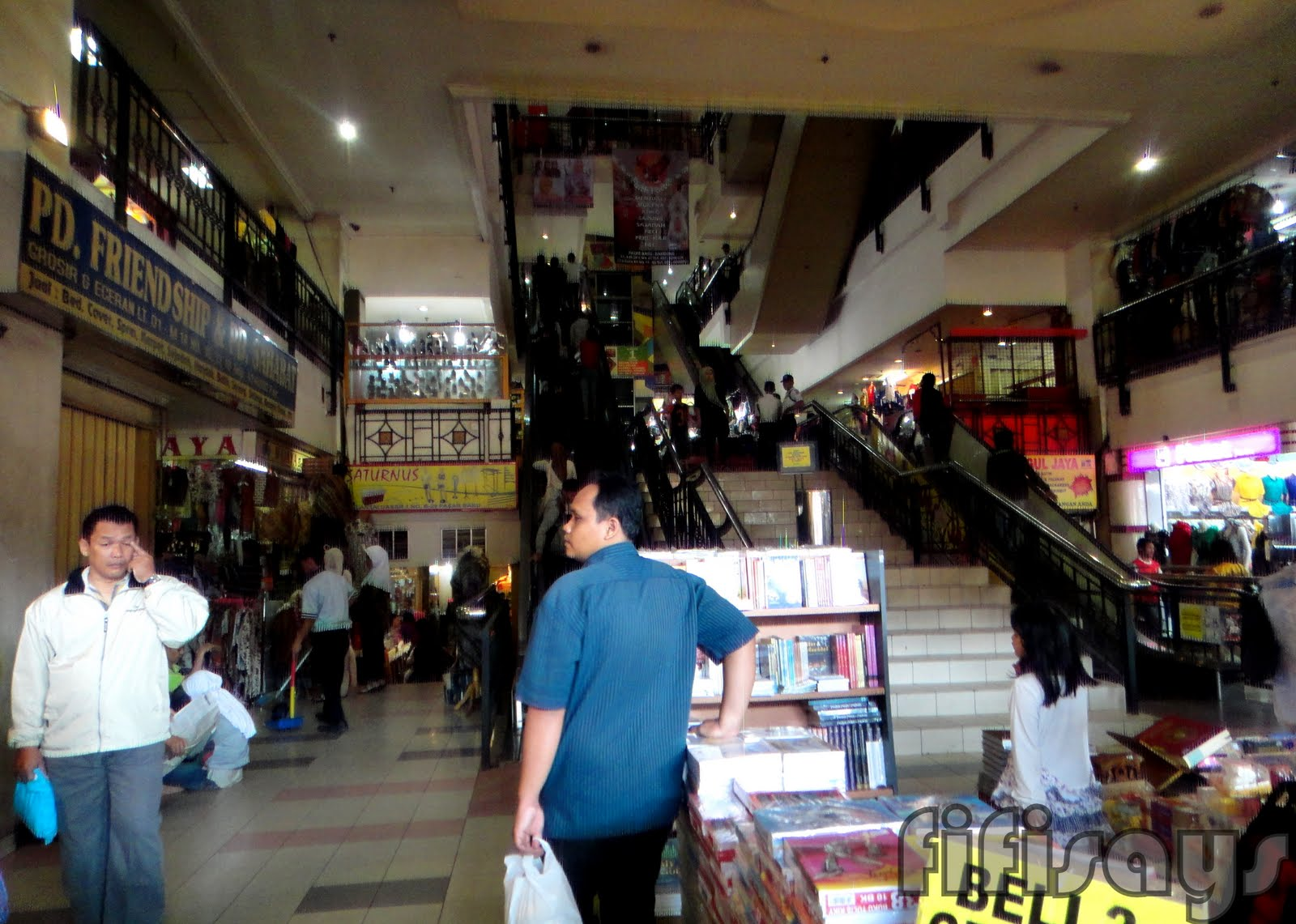 fifi says Jakarta Bandung Pt 5 Pasar Baru Bandung
