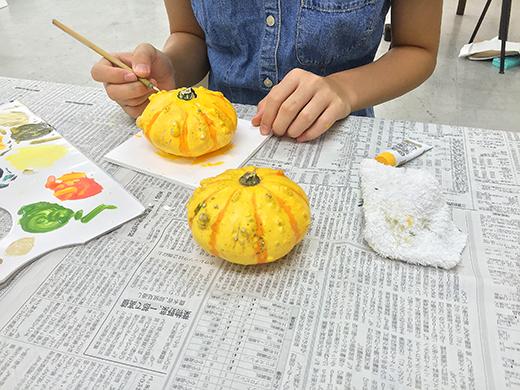 横浜美術学院の中学生教室 美術クラブ 紙ねんど立体「ハロウィーンかぼちゃの模刻」10