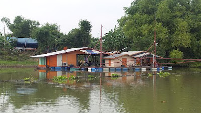 Schwimmende Häuser Thailand