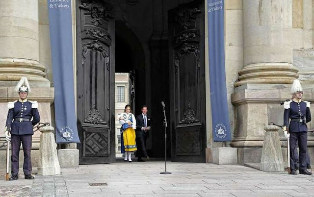 Princess Madeleine and her family opened the doors of the Royal Palace
