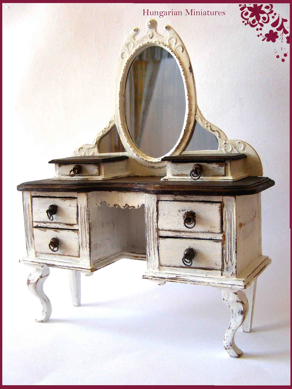 My tiny world: Dollhouse miniatures: Vanity table