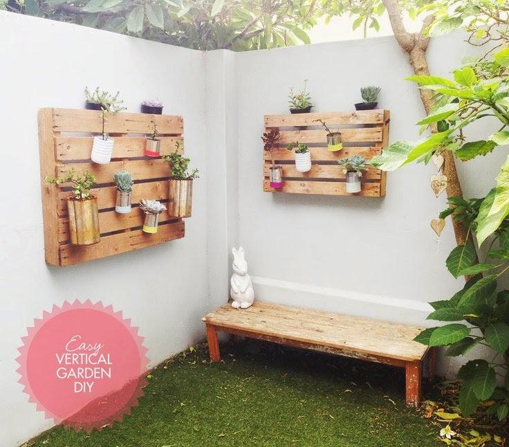 2 tutoriales para jardines verticales con palets ecolog a for Palets decoracion jardin