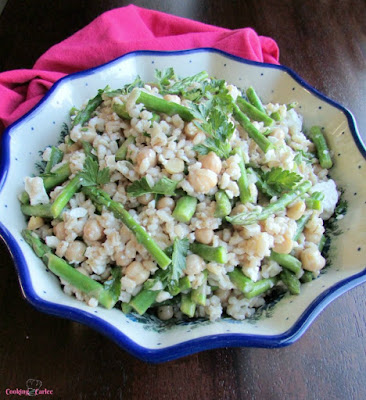 bowl of salad with pearled barley, garbanzo beans and asparagus