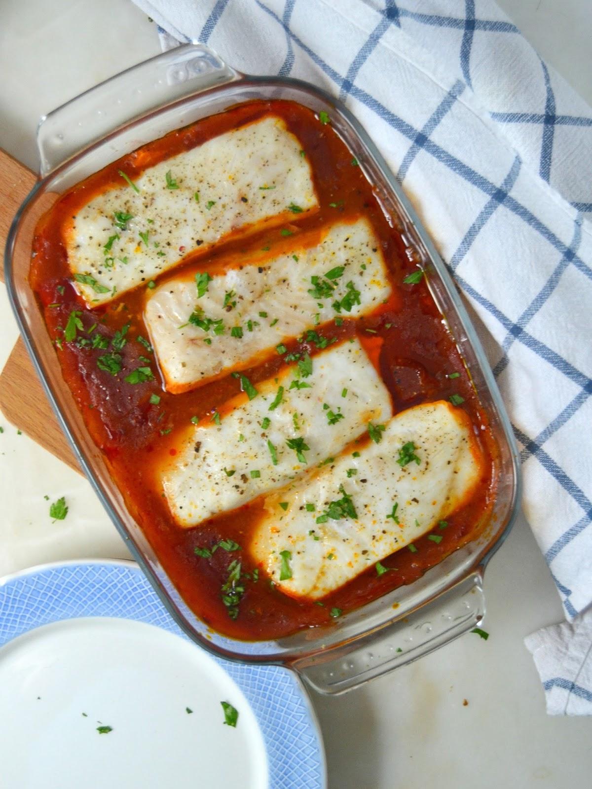 Recetas De Cocina Merluza | Merluza Con Tomate Al Horno Facil Sana Y Deliciosa Cuuking
