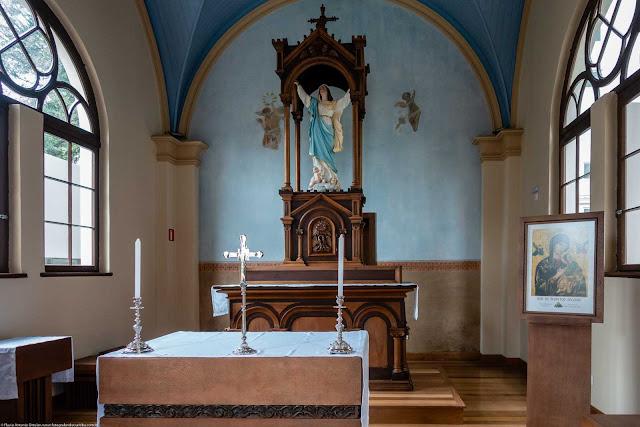 Capela Nossa Senhora da Glória - o interior - vista do altar