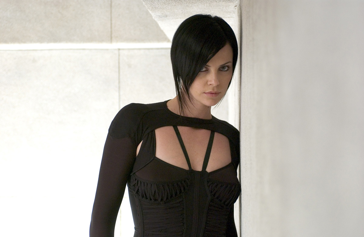 Toyriffic: Charlize Theron as Aeon Flux in Playmobil