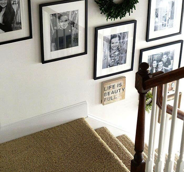 Menghias dinding tangga