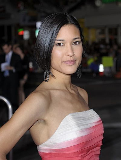 Julia Jones At Burberry Body Launch In Beverly Hills: The Girl In The Pink Scarf: Resentment