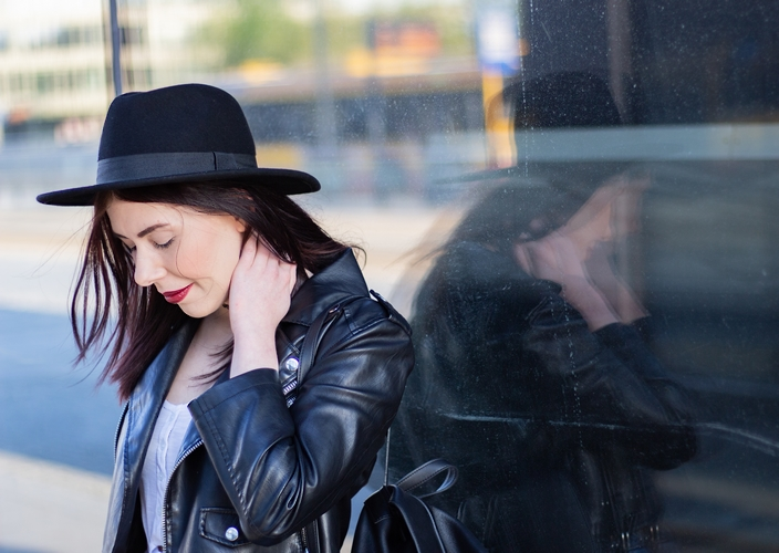 stylizacja z kapeluszem | styl grunge jak nosić | styl grunge blog o modzie | kapelusz | jak nosić kapelusz | ramoneska | blogerka z Łodzi | blog o modzie Łódź | Łódź Fabryczna