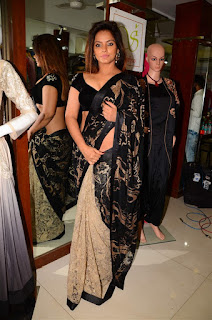 Neetu Chandra in Black Saree at Designer Sandhya Singh Store Launch Mumbai (5).jpg