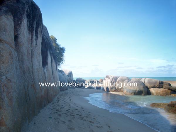Objek Wisata Pantai Teluk Limau - Sungailiat Bangka Porpinsi Bangka Belitung Indonesia