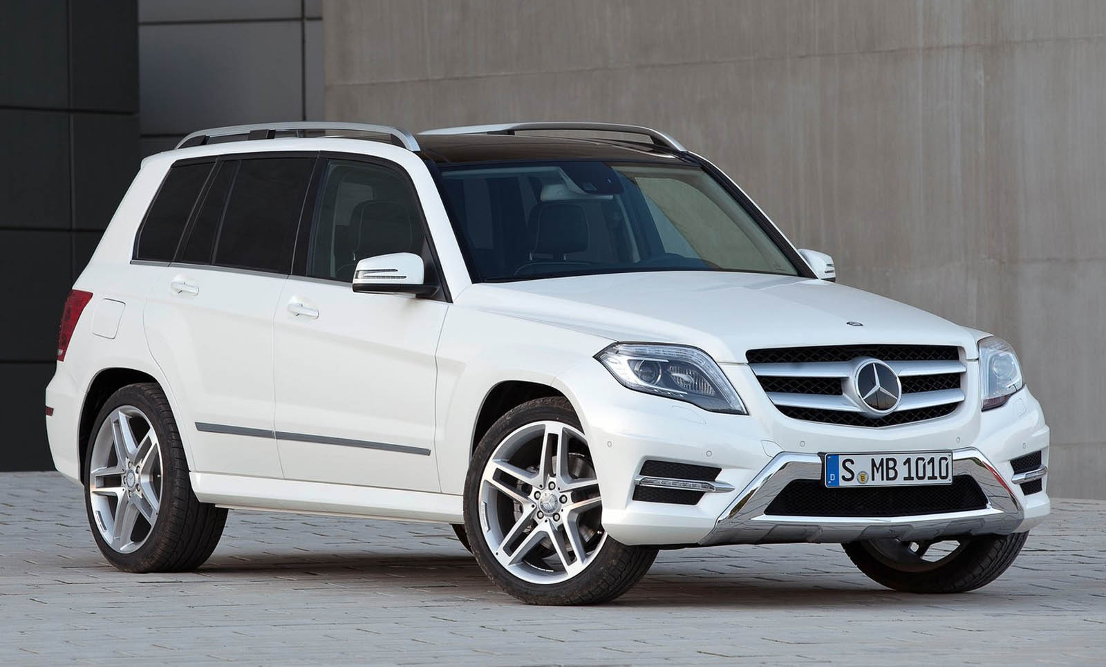 Mercedes has issued 8 new recalls in the us all at once for Mercedes benz recall