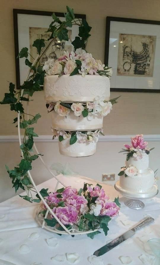 Top 14 Unique Upside Down Wedding Cakes Wedding Celebration