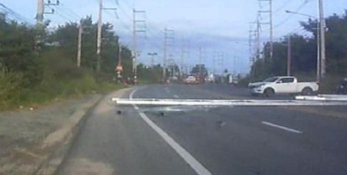 Οδηγός φορτηγού προκάλεσε χάος σε αυτοκινητόδρομο στην Ταϊλάνδη (video)