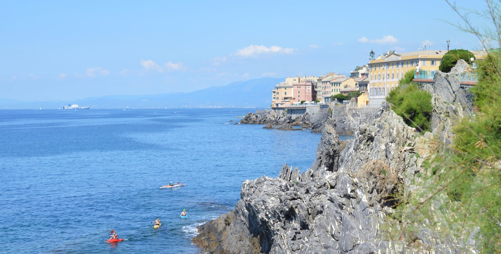 How to spend a weekend in Genoa with kids - canoeing in Nervi, Genoa