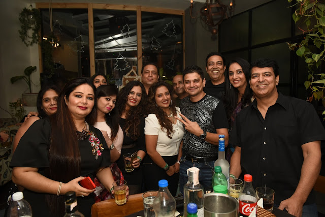 3. Vindu Dara Singh and Guest celebrating New Year at the House of Mirabella