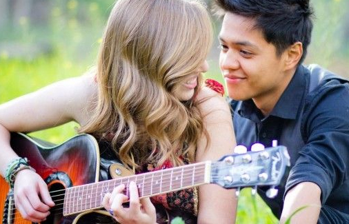 Boyfriend and Girlfriend with Guiter
