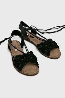 Corina - Sandale negre fara toc.jpg